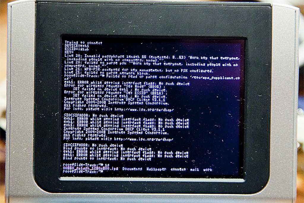 Tweaking Side-Track linux for U-boot on the Zipit Z2 - notANON